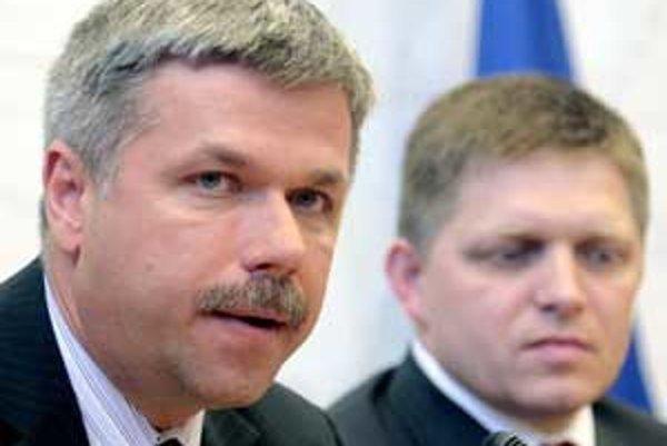 Európska komisia vyzýva vládu, aby sprísnením rozpočtovej politiky čelila inflačným tlakom po prijatí eura.