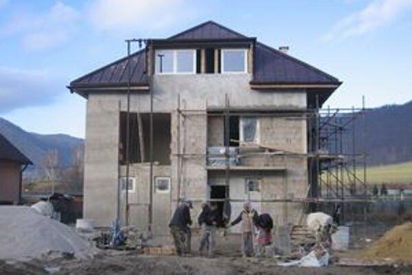 V Margecanoch pracujú na stavbe napriek tomu, že je december.