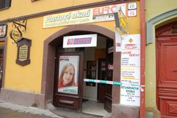 Zo stávkovej kancelárie zobral lupič 1 700 eur.