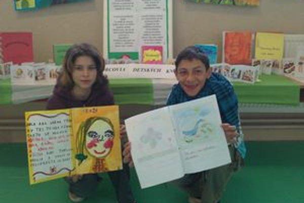 Monika a Rudko. Aj šiestačka a ôsmak sa zapojili do knižnej akcie.