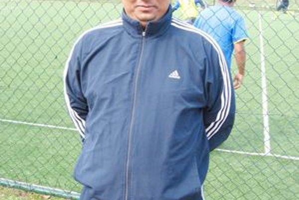 Ján Šándor. Päť rokov pracoval vAnglicku.