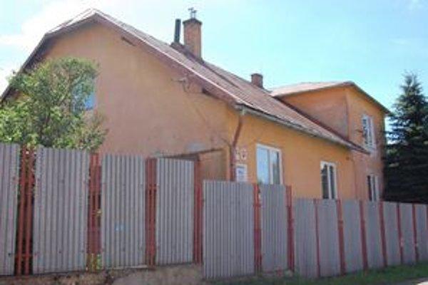 Škôlka na Robotníckej ulici. Bývalý rodinný dom by si zaslúžil aj novú fasádu.