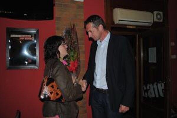 Milan Majerský večer prijímal gratulácie od svojich priaznivcov.
