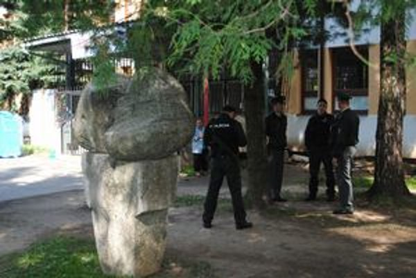 Policajtov v čase konania volieb bolo v Levoči viac ako obvykle.