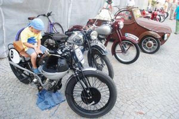 Marián Netík (4). Takúto motorku by mal rád aj doma.