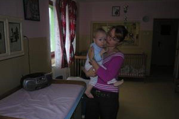 Profesionálna mama. Lucia Garajová už rok a pol pracuje ako profesionálna mama, doma má dve deti z detského domova.