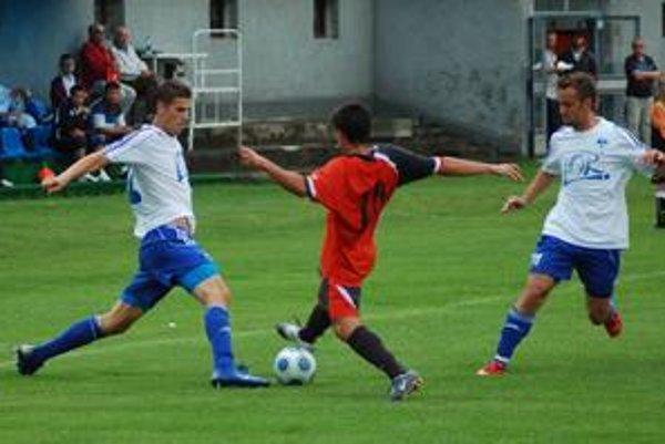 Vyrovnal. Gól Lukáša Horvátha (v bielom vľavo) znamenal vyrovnanie a penaltový rozstrel.
