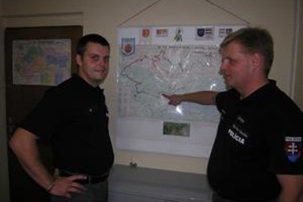 Bratia policajti. Na snímke zľava Peter Grečko a Milan Grečko.