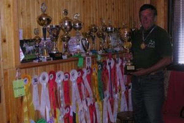 Viliam Grega. Pýši sa 118 oceneniami za prvenstvá vo furmanských súťažiach.