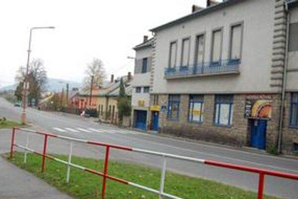Jubilejný dom. Do zálohy sa dostal aj Jubilejný dom, na snímke prvá z dvoch budov.