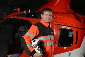 Na snímke je pilot spadnutého vrtuľníka Ľubomír Majerčák.
