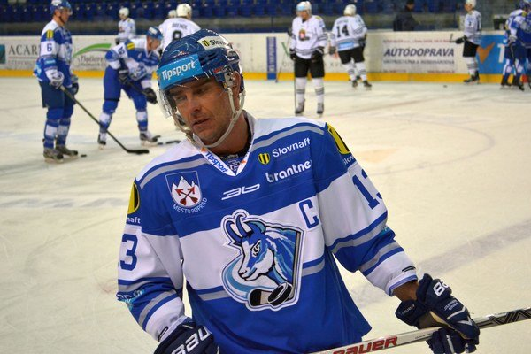 Arne Kroták je dočasne poverený riadením všetkých športových záležitostí.