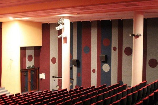 Interiér vynoveného kina Tatran.