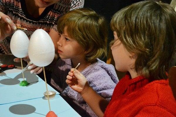 Deti prejavili kreativitu. Babičky im odovzdali svoje skúsenosti.