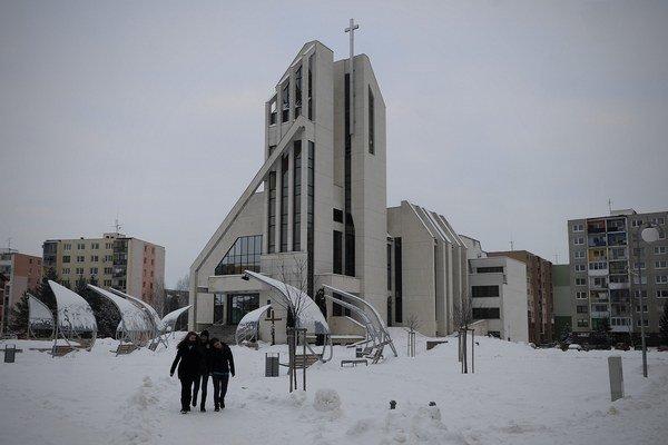 Kruhovú križovatku vybudujú v lokalite ulíc Ludvíka Svobodu, Rázusovej a Mládeže pri kostole.