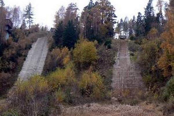 Hľadaného muža našli v areáli bývalých skokanských mostíkov.