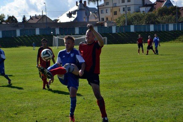 Slabé derby. Zápas medzi Popradom B a Toporcom nenadchol.