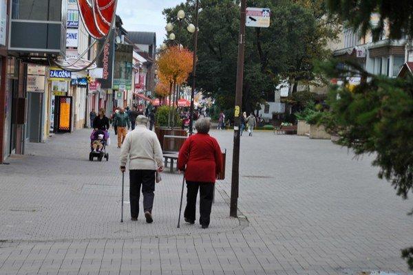 Ľudia s obmedzenou možnosťou pohybu. V Poprade sa nedostanú všade.