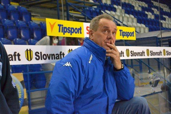 Tréner kamzíkov Milan Jančuška očakáva vyrovnanú sériu.