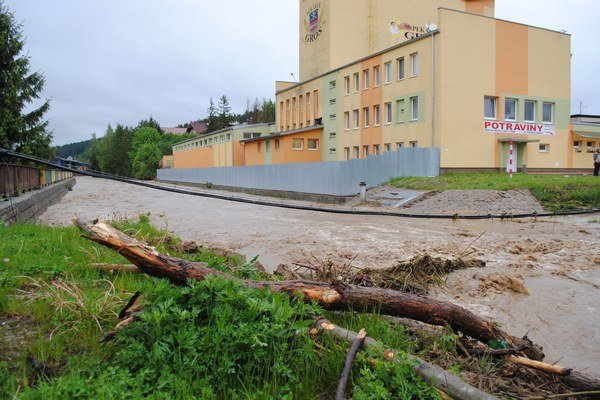 Kežmarok a okolie pravidelne sužujú povodne.
