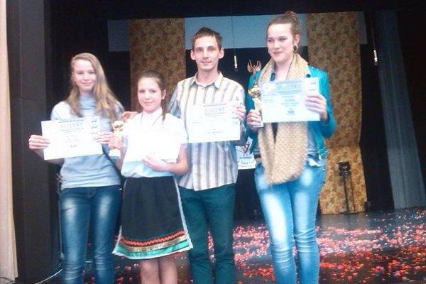 Ocenení mladí herci.