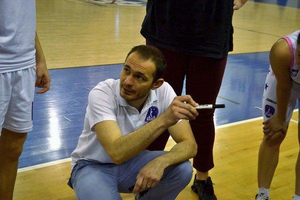 Ján Hricko. Tréner BAM Poprad počas zápasu s Banskou Bystricou.