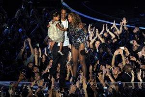 Beyoncé s manželom Jay Z a dcérou Blue Ivy.