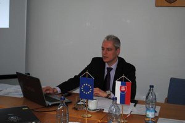 Ján Ferenčák je prednostom obvodného úradu.