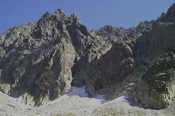 Zrázy Gerlachovského štítu nad Batizovskou dolinou sa takmer stali Poliakovi osudnými.