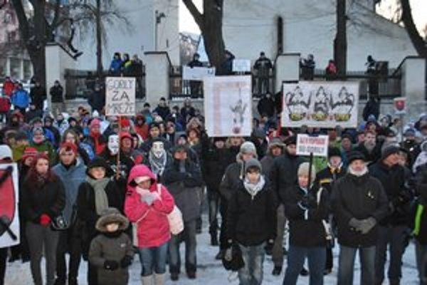 Aj Poprad je proti Gorile. V najbližšom období sa chystajú ďalšie protesty.