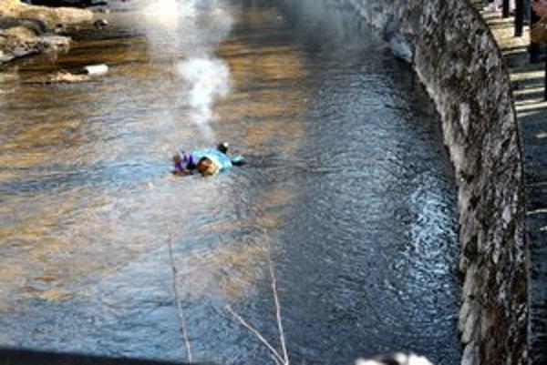 Utopili Morenu. Nakoniec skončila Morena zapálená v potoku.