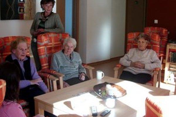Seniori si teraz môžu vydýchnuť. Ostáva im čakať na rozhodnutie parlamentu.
