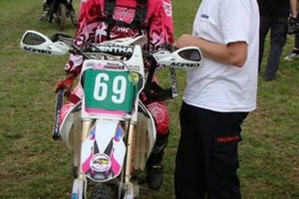 Miriama Zavacká. V rámci prípravy na majstrovstvá MS si vyskúšala aj countrycross v Domaniži.