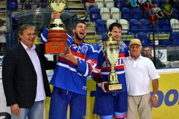 Triumf domácich. HK Poprad vyhral po siedmich rokoch Tatranský pohár.