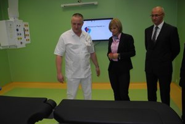 Nové sály si pozrela aj ministerka Z. Zvolenská.