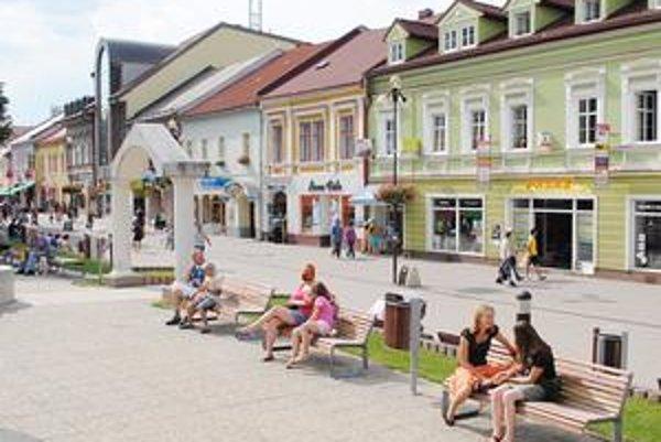 Zmarená príležitosť?. Podľa časti Popradčanov ich mesto ekonomicky stratilo. Vinia za to hokejových funkcionárov v Bratislave.