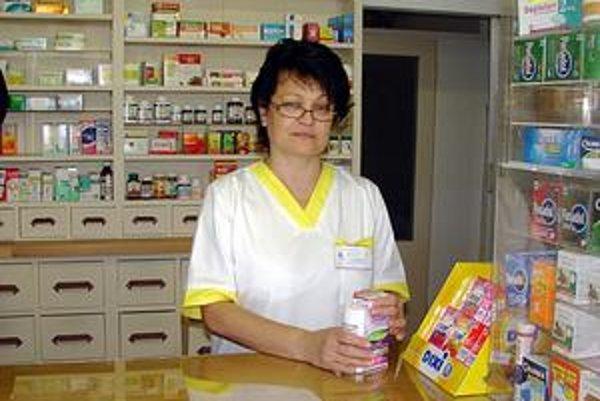 Mária Juríková. Podľa lekárničky chemické prípravky v boji proti všiam vystriedali prírodné oleje a balzamy.
