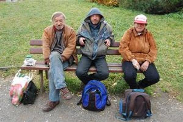 Popradskí bezdomovci na Vavra spomínajú v dobrom.