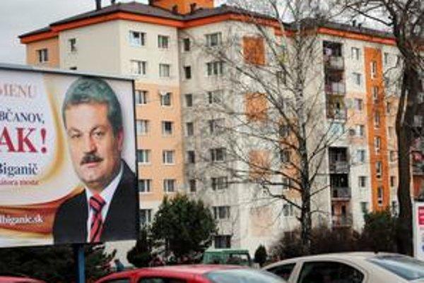 Kandidát. Michal Biganič má v meste rozmiestnených niekoľko bilbordov.