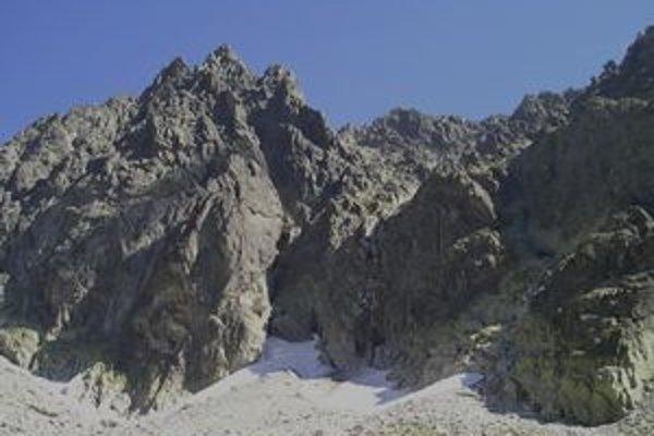 Vpravo dolná časť Batizovskej próby nad Batizovskou dolinou.