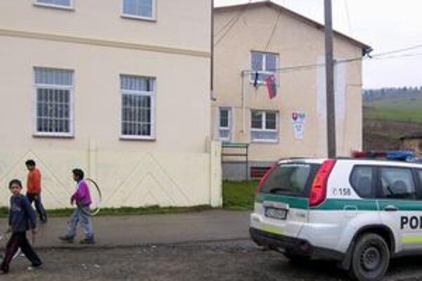Z obecného úradu v Lomničke podľa slov starostky chodilo telefonovať veľa ľudí. Aj na audiotexové čísla.