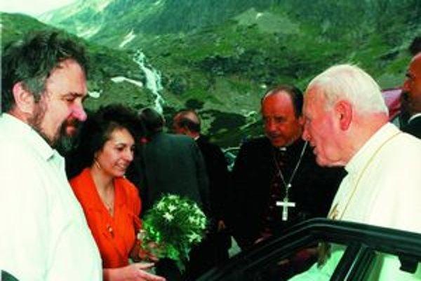 Pápež vo Velickej doline. Príchod do hotela Sliezsky dom