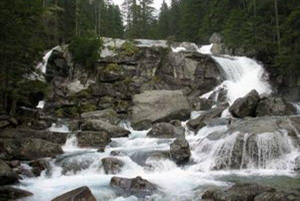 Časť Studenovodských vodopádov.
