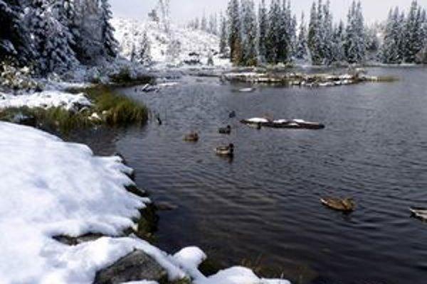 V Tatrách už treba rátať aj so snehom a ľadom.