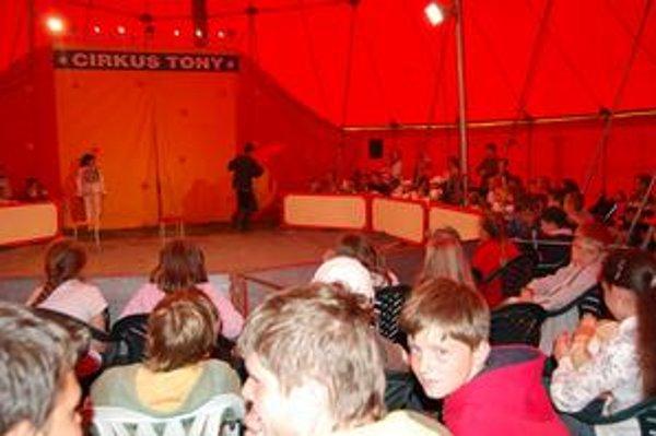 Cirkusanti hodnotili veľkolomnické publikum ako výborné.