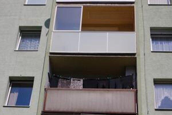 Balkón sa stal dejiskom drámy. Ilustračné foto.