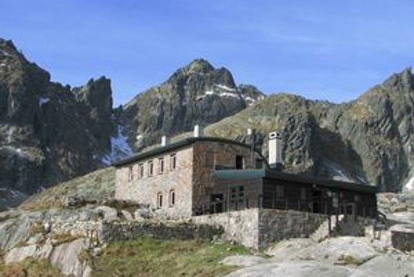 Téryho chata v Malej Studenej doline postupne prechádza obnovou.