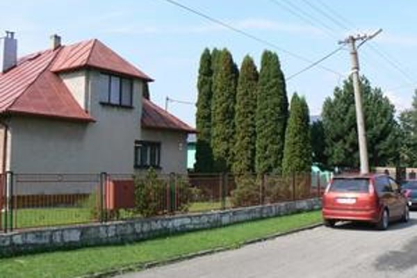 Starčekov dom. Jeden z obvinených bol podľa polície zapletený aj do únosu 89-ročného starčeka, ktorého chceli únoscovia obrať o tento dom.