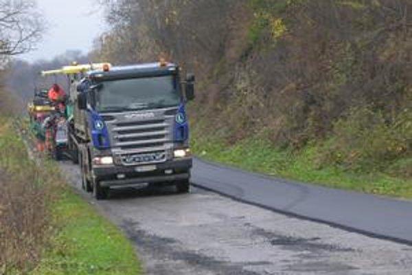 Cesta do Lomničky. Oprava stojí 111-tisíc eur.