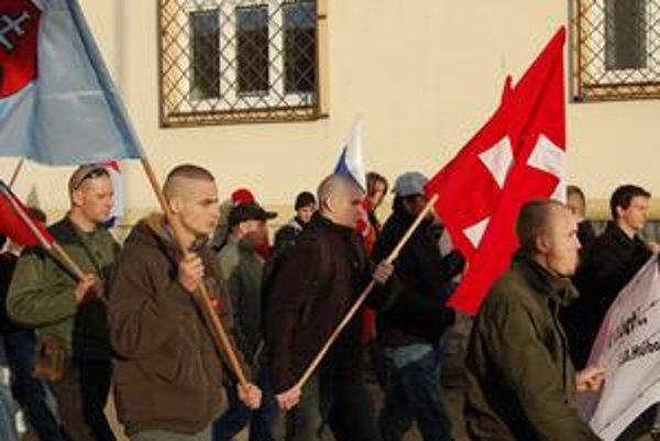 Kamaráti s Maticou. Podľa popradskej Matice hnutie tvorí len vlastenecká mládež.